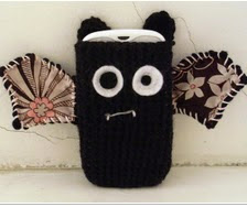 http://translate.googleusercontent.com/translate_c?depth=1&hl=es&rurl=translate.google.es&sl=en&tl=es&u=http://cultofcrochet.wordpress.com/2011/03/19/vampire-bat-phone-case/&usg=ALkJrhjWrI4Dj2JSNAHPPkCD3NvA2_bJ1w