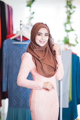 foto hijab rubiah cantik manis baju ketat dan lembut indah paling suka banget karena manis dan alucu hijab raya kitty