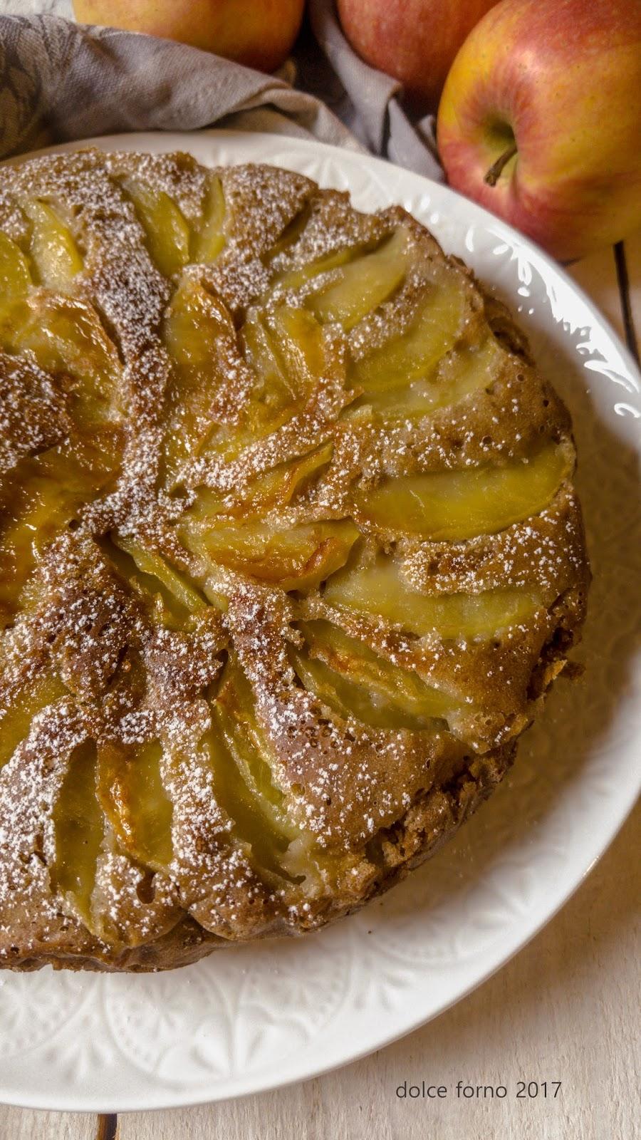 torta di mele vegan cotta in padella