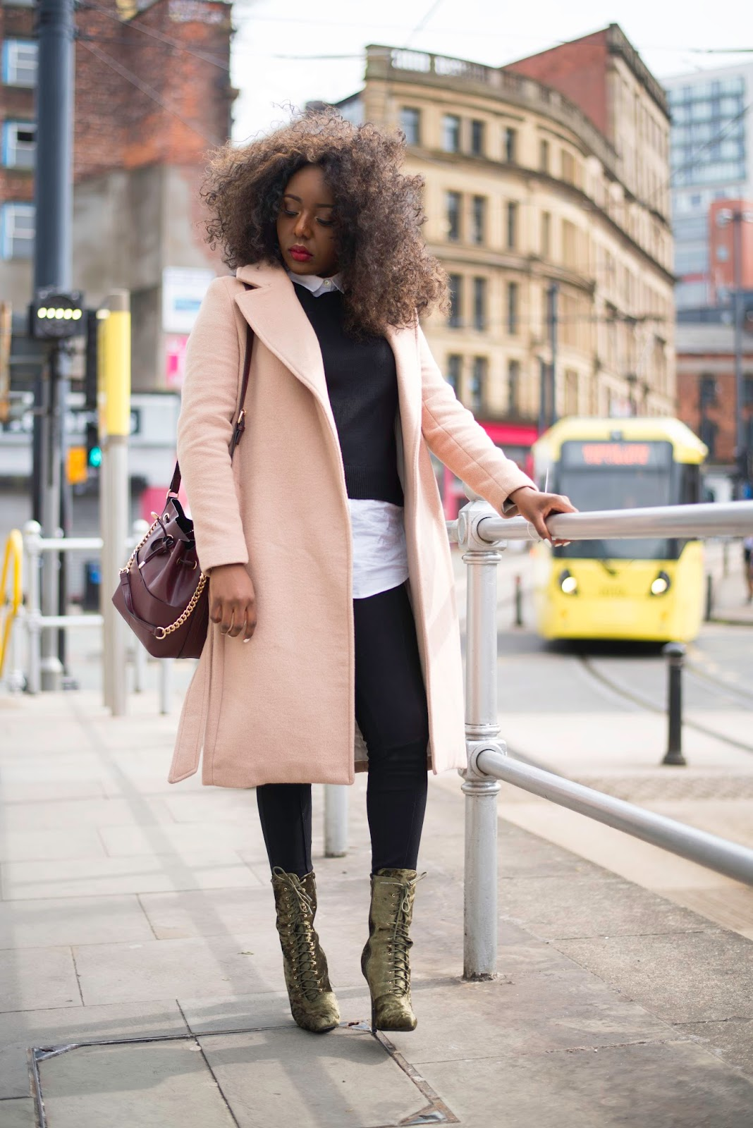 STEPHYLATELY | Elevate a preppy look with an elegant outerwear, the camel coat