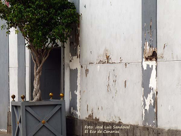 Lamentable estado abandono de zonas parque Santa Catalina edificio Miller
