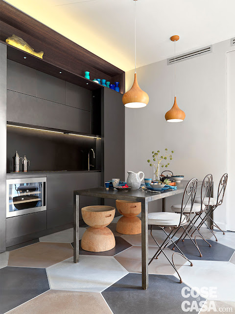 bucatarie inalta, moderna, neagra
