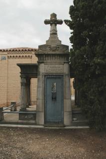 Arte funerario en Zaragoza: Panteón de la familia Herrero.