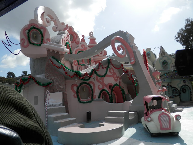 décor du Grinch Universal Studios Hollywood
