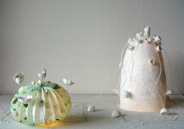 lampade a led  in stile origami, carta crespa e cartapesta, paper art Roma