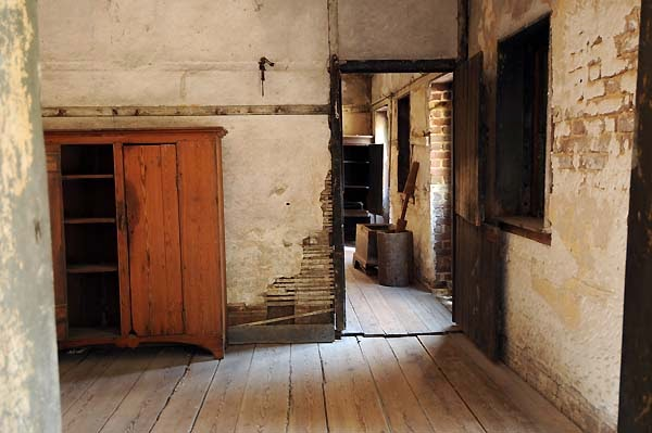 Aiken-Rhett House slave quarters interior