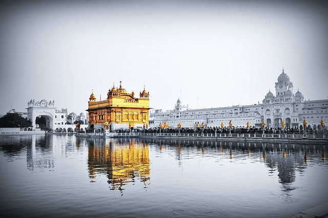 Golden Temple, Amritsar  IMAGES, GIF, ANIMATED GIF, WALLPAPER, STICKER FOR WHATSAPP & FACEBOOK