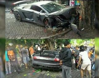 baru baru ini santer kabar terdengar kejadian maut mobil lamborghini menabrak warung yang Lamborghini Maut Surabaya Ini Hanya Ada 150 Unit Didunia