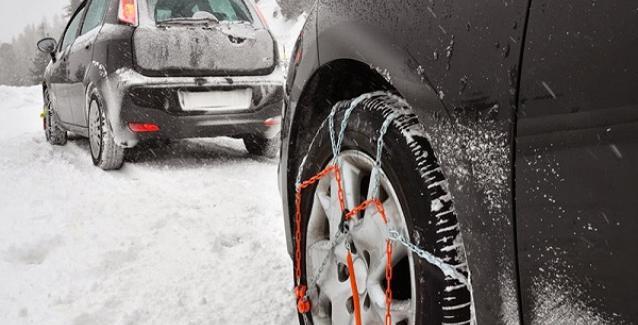 Επέλαση του χιονιά: Ασπρισε όλη η χώρα. Ποιοι δρόμοι έκλεισαν, πού χρειάζονται αλυσίδες