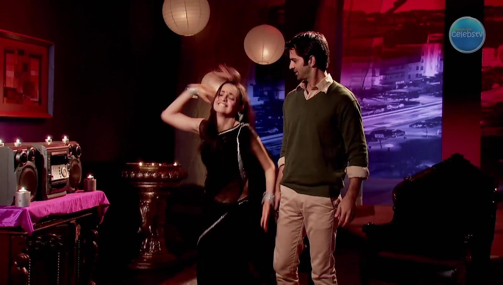 Sanaya Irani Aka Khushi Showing Her Sexy Navel In Dance -5165