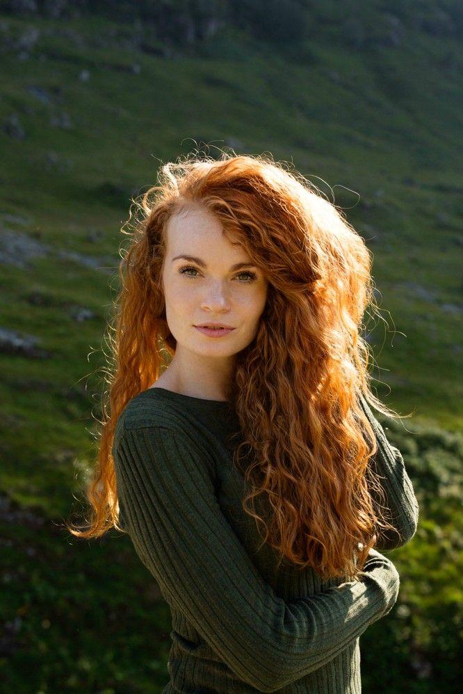 Redhead thumbs pic 13