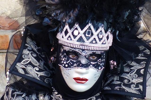 Termín Benátského karnevalu 2019, benátky průvodce, kam v benátkách, co vidět v benátkách, benátky památky, benátky historie, jak se najíst v benátkách, kde se najíst v benátkách, co ochutnat v benátkách, kam v benátkách na víno, kam v benátkách na aperol spritz, zažijte benátky jako místní