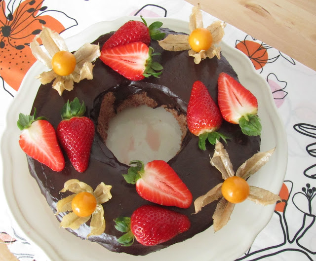 chocolate-angel-food-cake