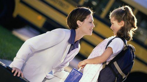 Cara Mengatasi Agar Anak Tidak Terlalu Pemalu