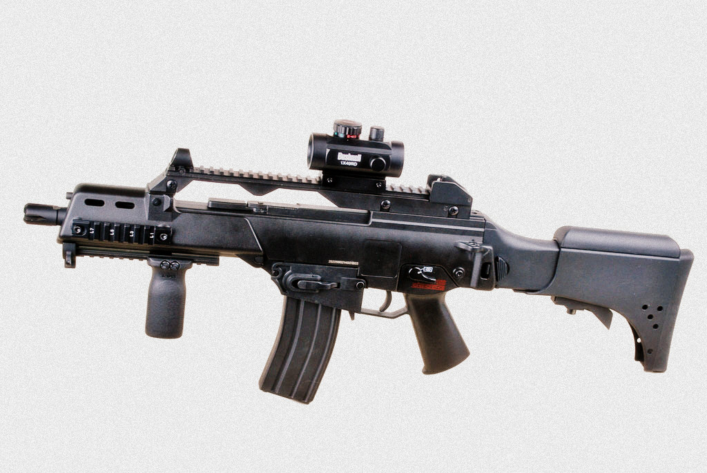Let's Tech It From The Top: G36C M4 Magazine Well Conversion