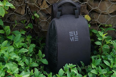 Backpack With Inbuilt Back Massager – Eume.