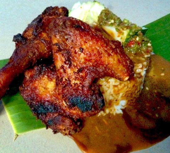 Faizal Nasi Kukus Ayam Berempah Parit Buntar