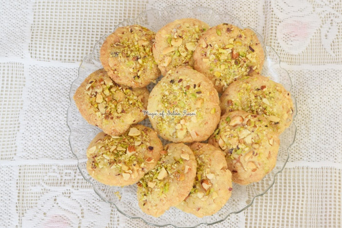 Rich Dry Fruit Cookies (Eggless) Recipe - रिच ड्राई फ्रूट कुकीज़ (एग्ग्लेस) रेसिपी - Priya R - Magic of Indian Rasoi