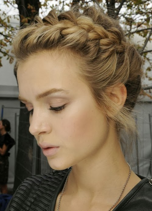 Updo Hairstyles For Long Hair Applied By Summer And Formal Event