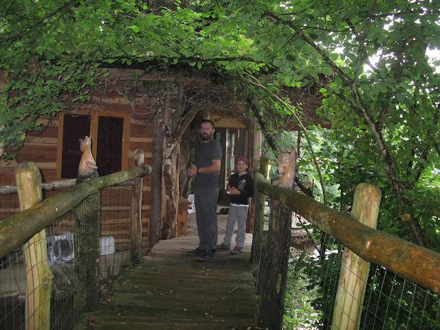 https://www.parentpontivy.com/2018/07/ekolobreizh-cabanes-et-ecologie-en.html