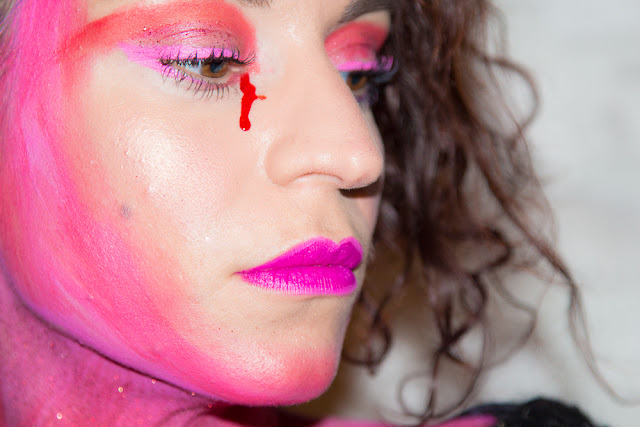 maquillage - diable - rose - sang
