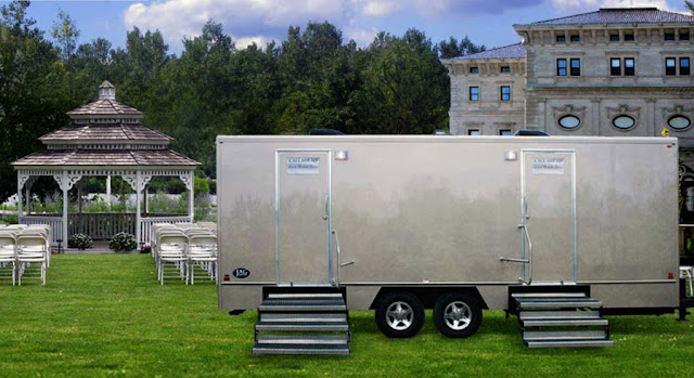 The Oxford Restroom Trailers by Callahead