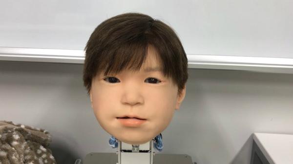 بالفيديو: Affetto الروبوت المثير للجدل!
