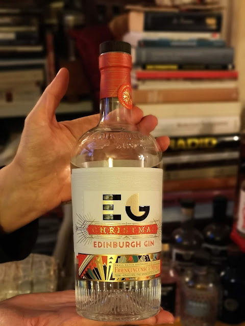 christmas-gin,distillerie-Edinburgh Gin,collection-de-gin,le-collectionneur,collection,jazzy-jeff,madame-gin