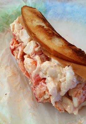 Sue's Seafood lobster roll