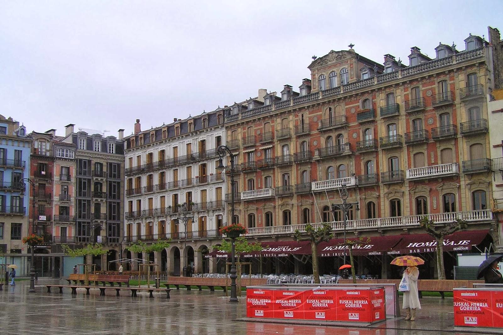 Plaza del castillo, Pamplona.