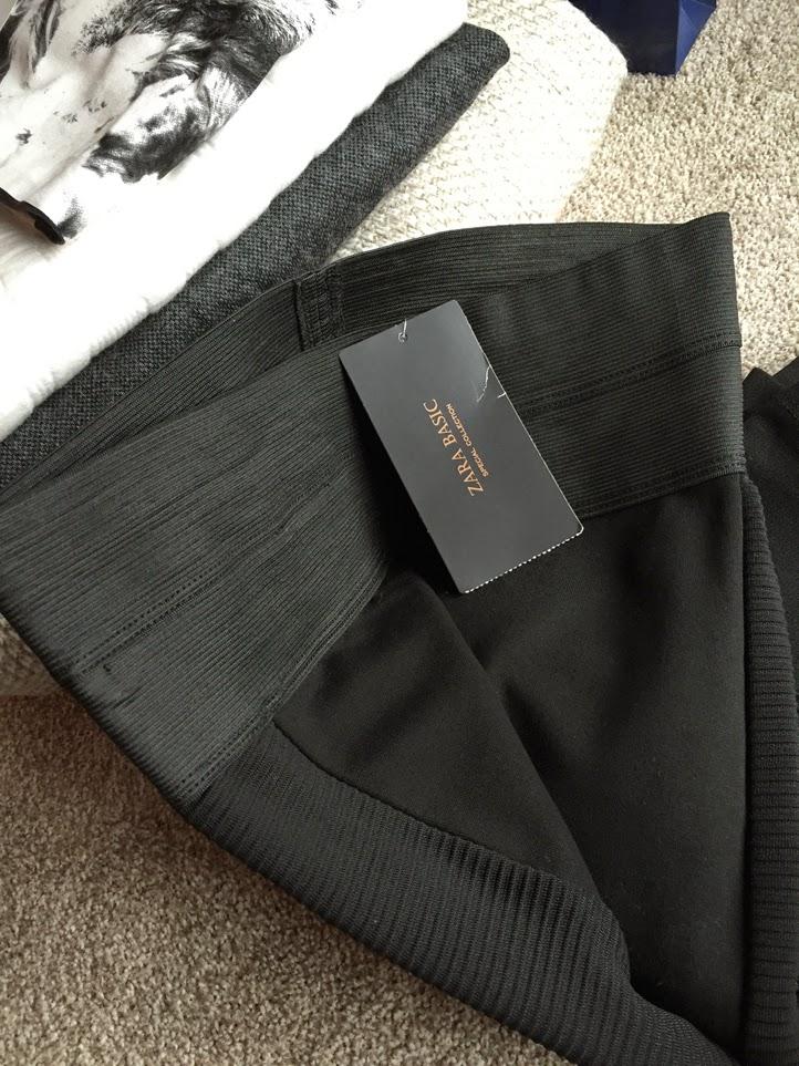 0b11c619bfd Černé legíny s postraním pruhem budu je nosit spíš jako kalhoty