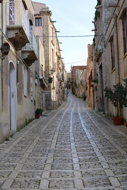 Une ruelle dans la vieille ville.