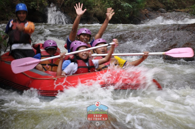 Rafting Arung Jeram Bersama Tripoutbound