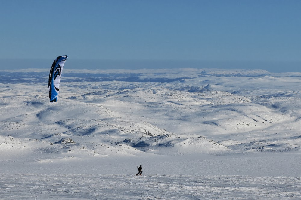 Kiting on Hardangerjokulen, Norway