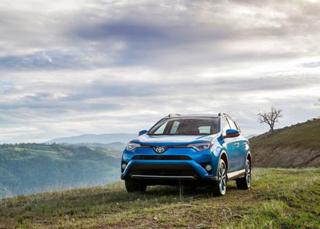 2016 Toyota Rav4 Limited Hybrid Space
