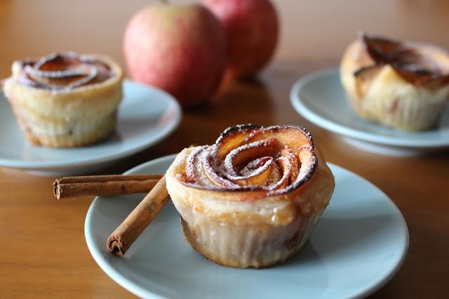 Rosas de maçã e massa folhada