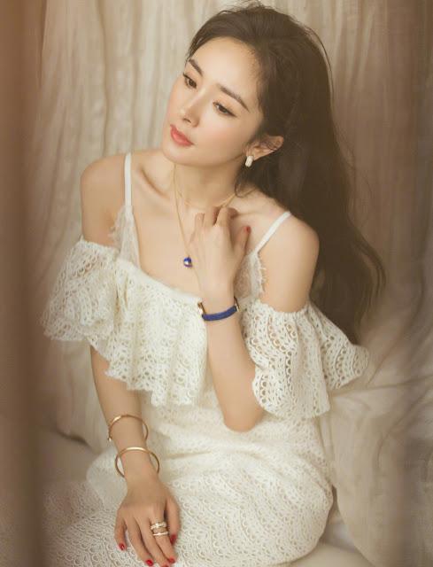 Yang Mi Off-Shoulder Dress with Spaghetti Strap