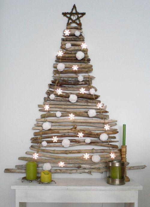 Árbol de Navidad casero, fácil y sencillo hecho con palos