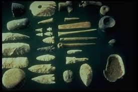 As ferramentas feitas pelos primeiros grupos humanos