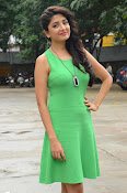 Poonam Kaur latest sizzling photos-thumbnail-14