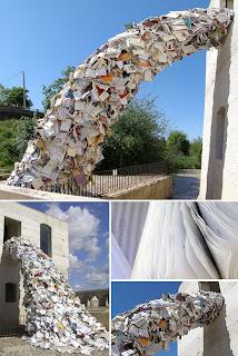 Escultura contemporanea de papel