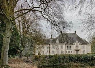 Mouse City Abandoned Chateau Escape