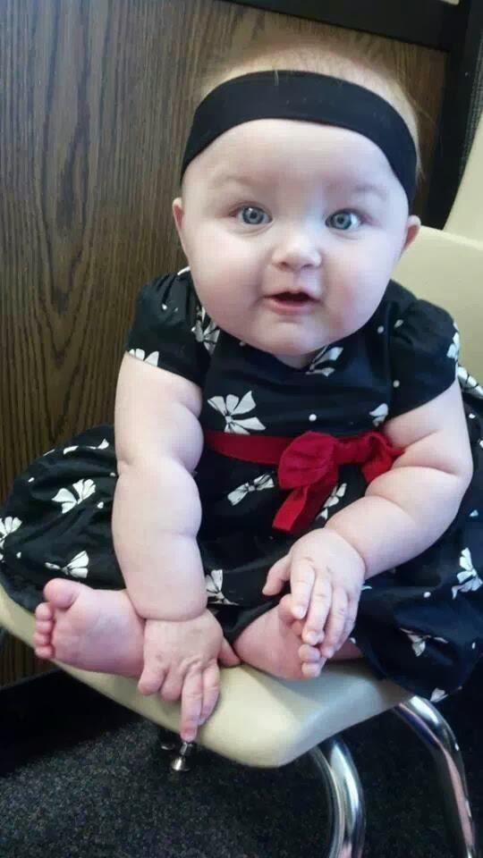bu yüzden tatlı tatlı kız bebek resmi