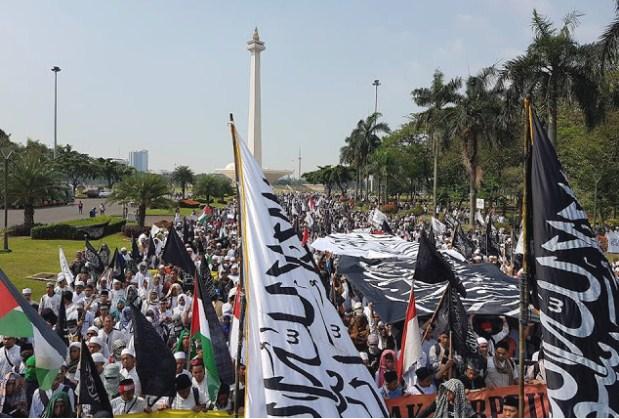 Tolak Perppu Ormas, Lautan Massa Aksi 287 Longmarch dari Istiqlal ke Gedung MK