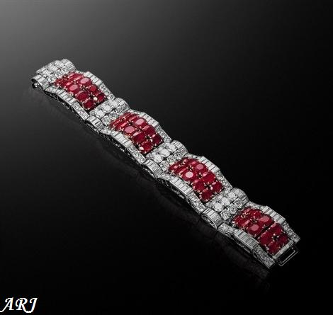 Jewelry Stores of Christian Fashion