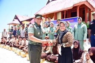 Pangdam Hasanuddin,Temui Prajuritnya di Pulau Terpencil