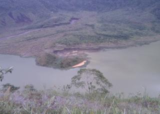 Kawah Gunung Galunggung gambar diambil dari Samping Kawah