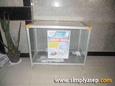 DROP BOX : Boleh datang langsung ke Pontianak Post dan masukkan dalam drop box yang sudah disediakan di tempat ini.  Foto Asep Haryono