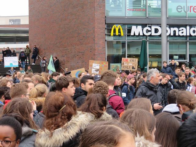 https://de-de.facebook.com/Occupy.Germany/