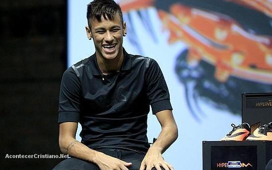 Neymar escoge al club Barcelona guiado por Dios